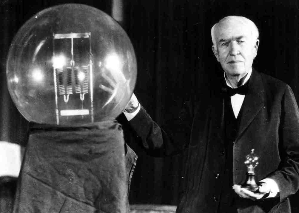 Thomas Edison was afraid of the dark