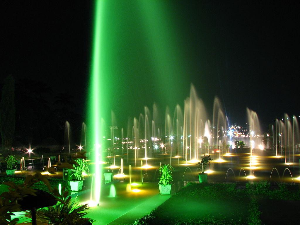 File:Brindavan Garden Fountains in Night.jpg - Wikimedia Commons