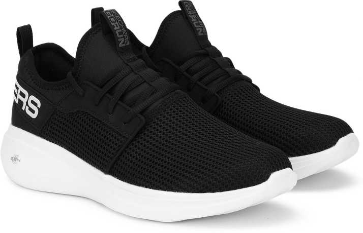Skechers GO RUN FAST-VALOR Running Shoes For Men - Buy Skechers GO RUN FAST-VALOR Running Shoes For Men Online at Best Price - Shop Online for Footwears in India | Flipkart.com