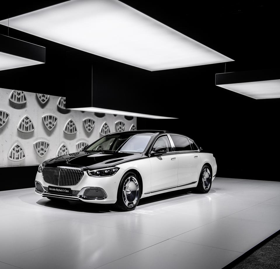 Benz Attacks Superluxury Rivals With V8 And V12 Mercedes-Maybach S-Class Limousine