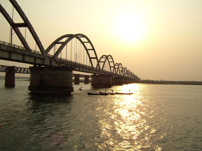 Godavari Arch Bridge - Wikipedia