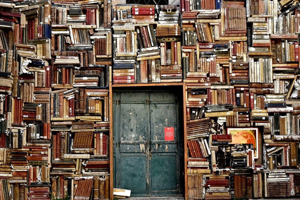 Best authors of 21st century