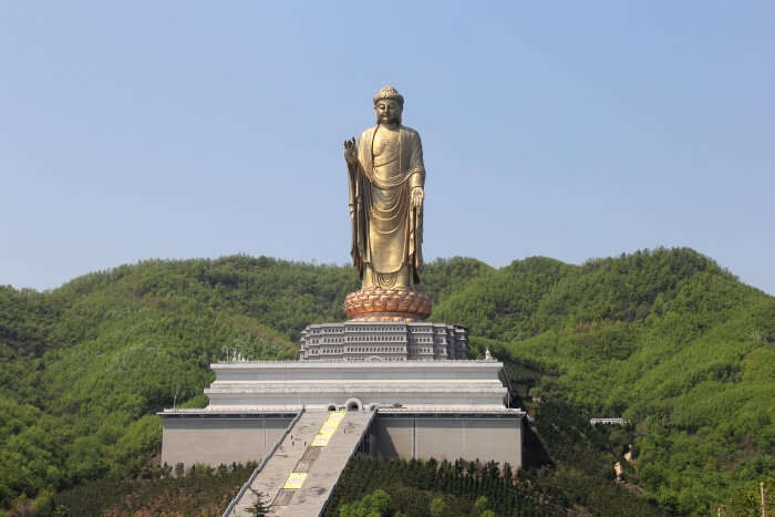 Spring Temple Buddha: What's Interesting About This Attraction