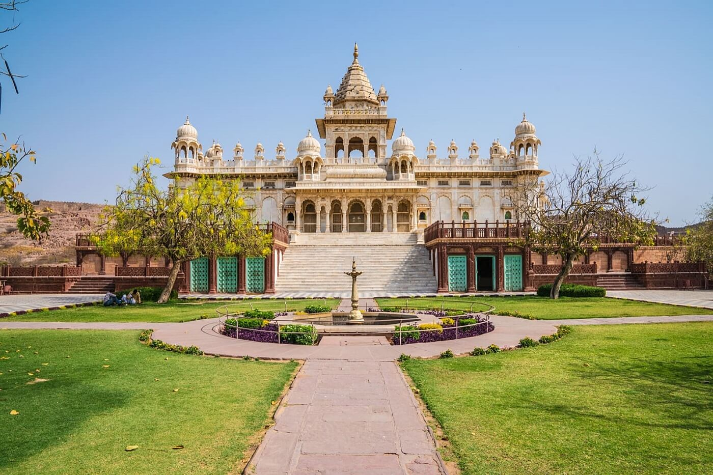 A complete Information about Jaswant Thada Jodhpur - History, Timing