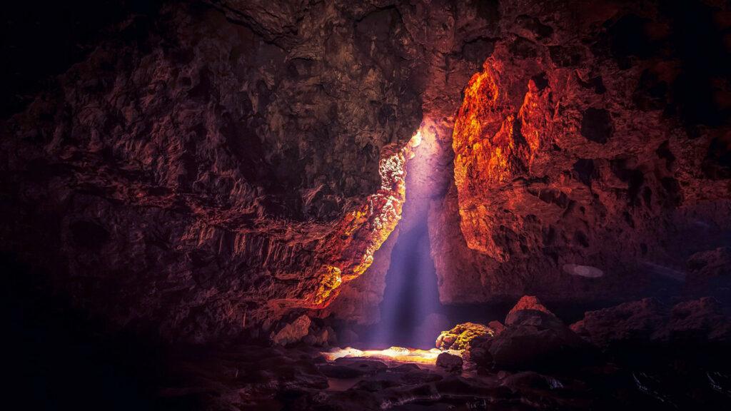 Krem_Liat_Prah_Cave_Attractions.