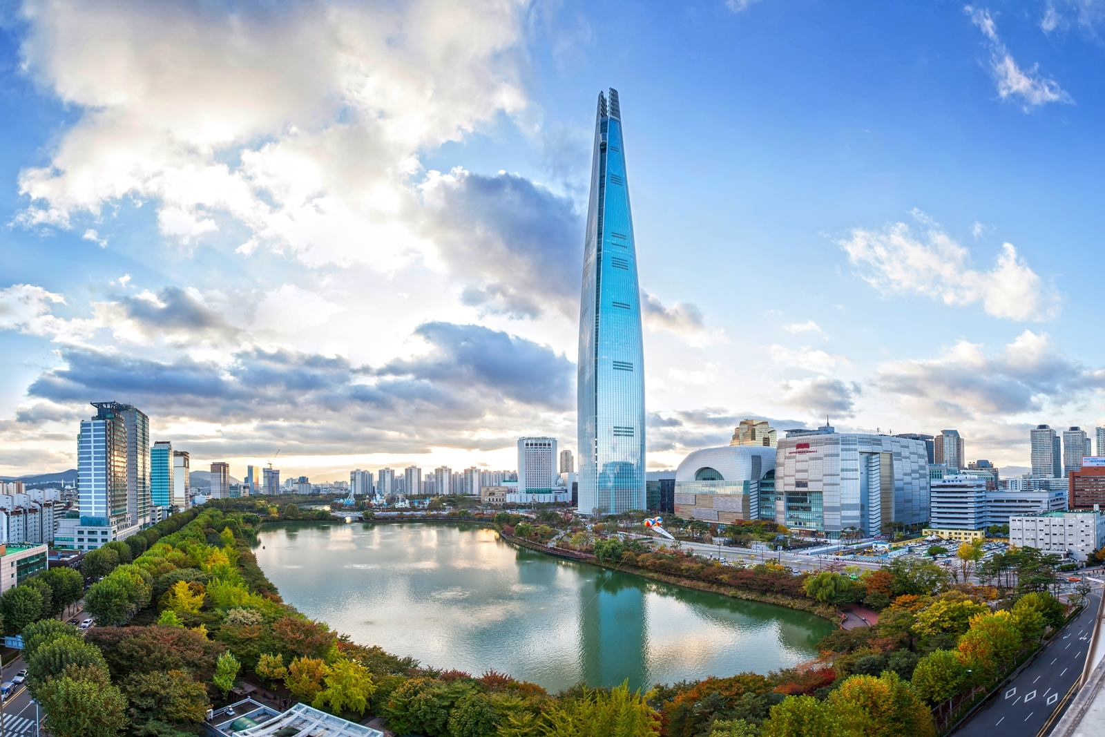 Seoul's Lotte World Tower Completes as World's 5th Tallest Building | ArchDaily