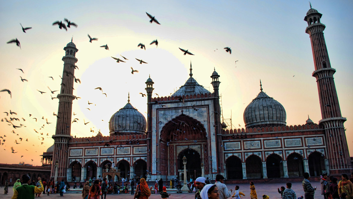 Top 12 Popular Mosques of India: Tour My India