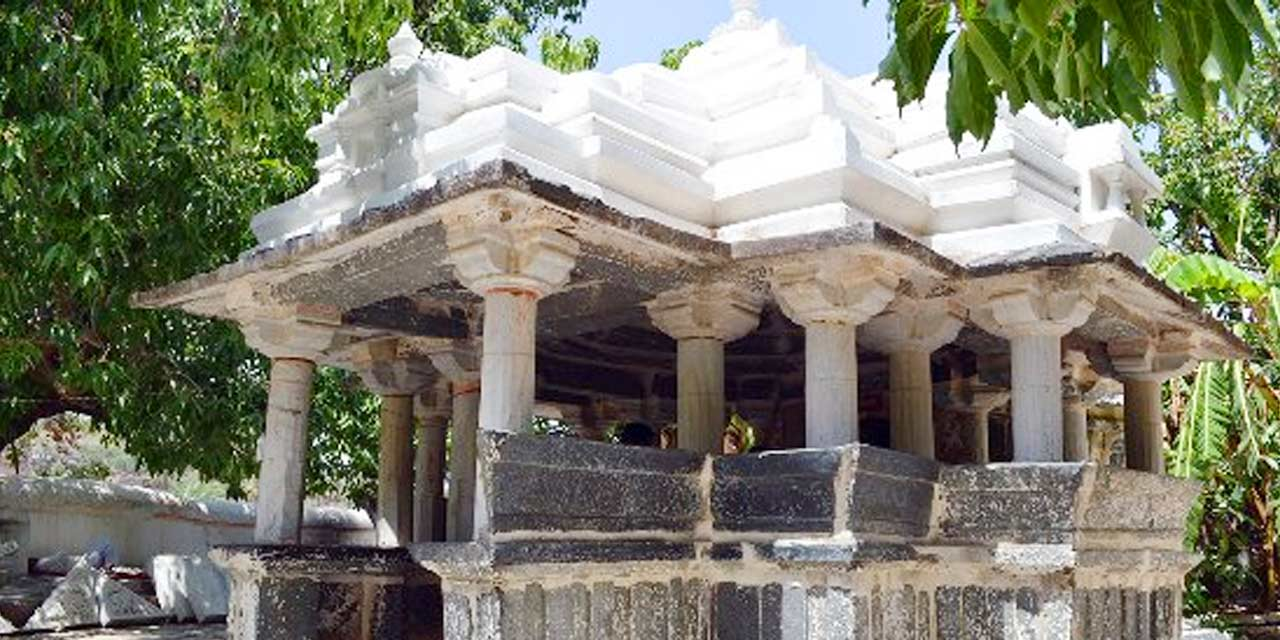 Achaleshwar Mahadev Temple Mount Abu (Timings, History, Entry Fee, Images, Aarti, Location & Phone) - Mount Abu Tourism 2021