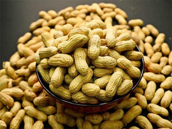 eating-peanuts-every-day-may-keep-heart