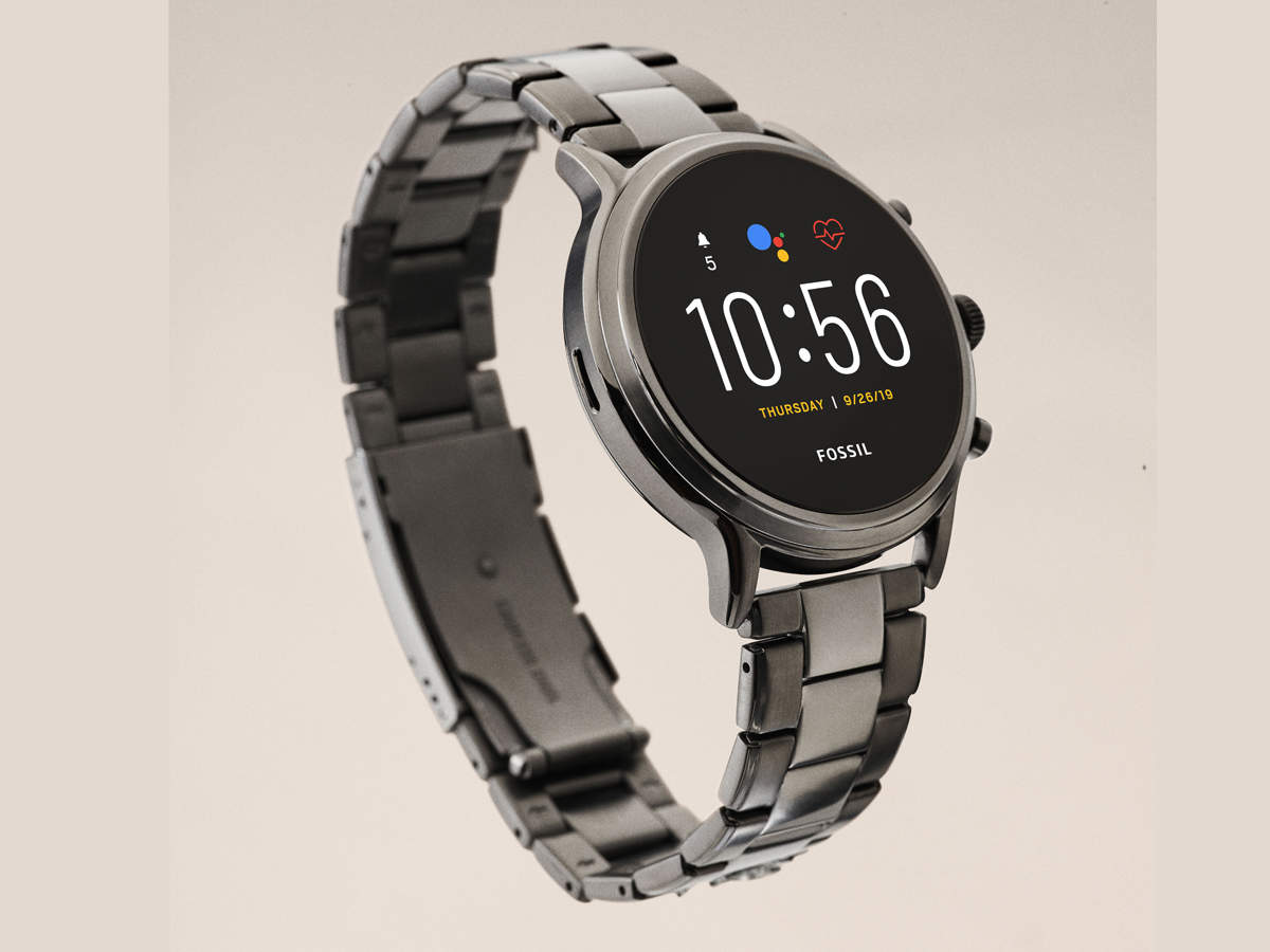 Fossil Gen 5 Carlyle HR review: A winner in the looks department, but WearOS may be a deal breaker - The Economic Times