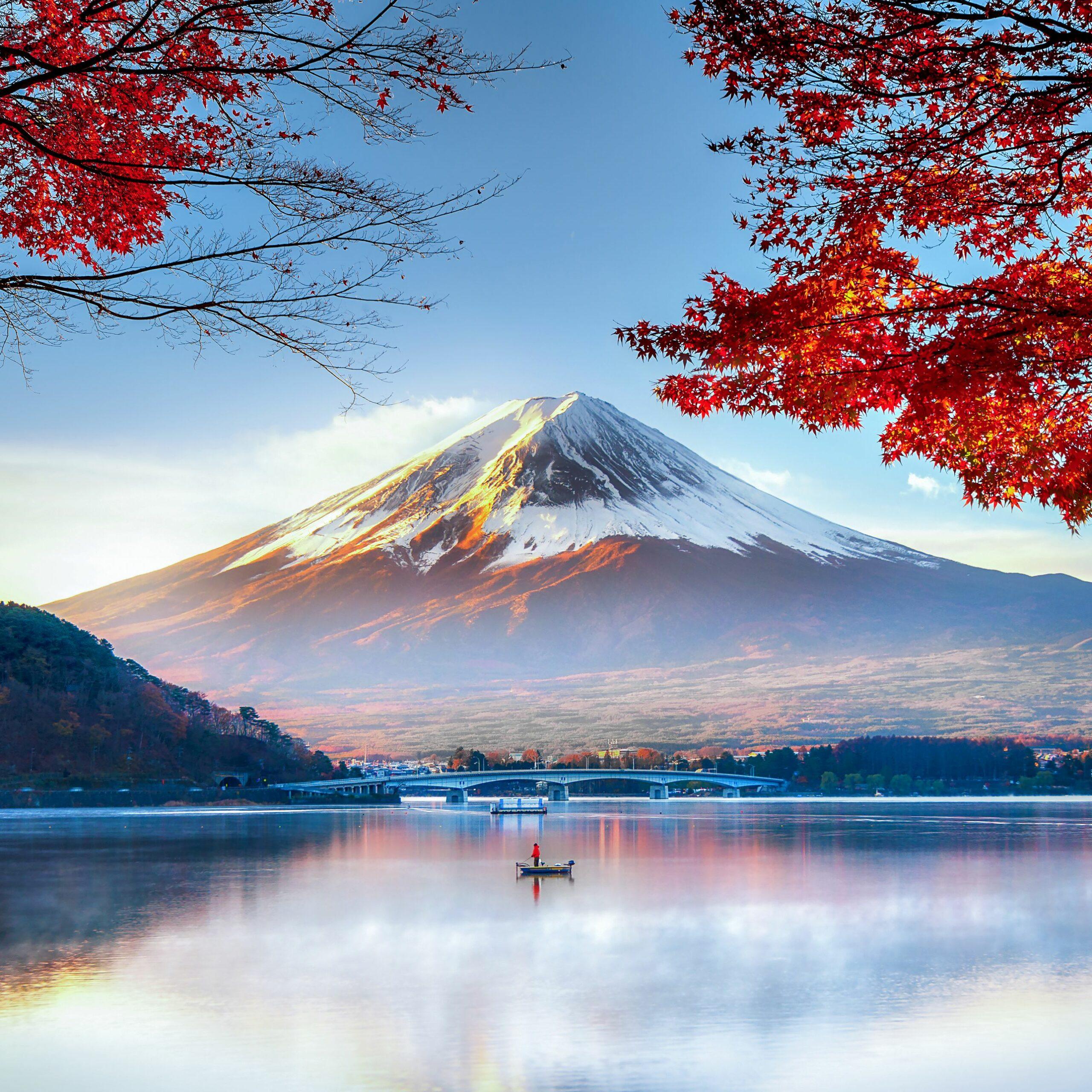 fuji-mountain-in-autumn.