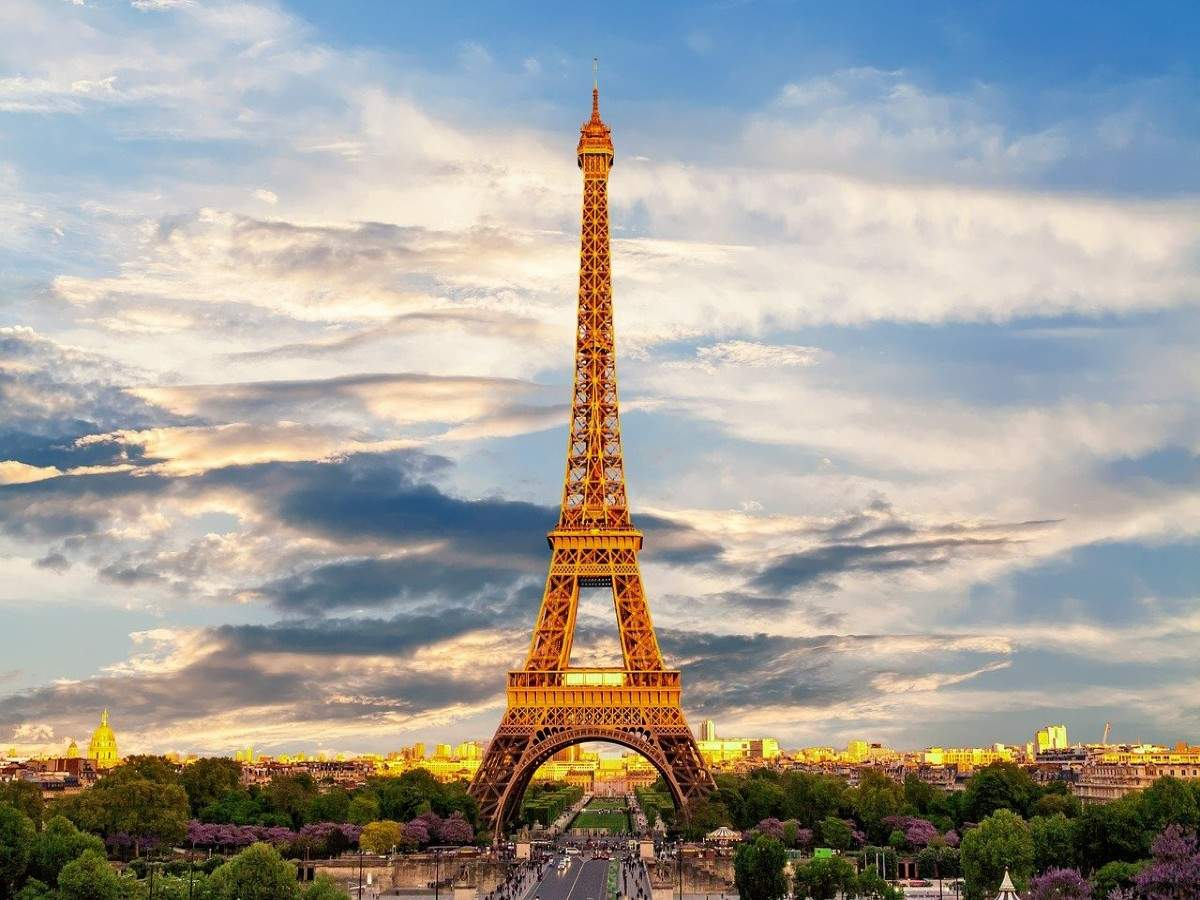 The Eiffel Tower to an amazing golden makeover ahead of 2024 Olympics, Paris - Times of India Travel