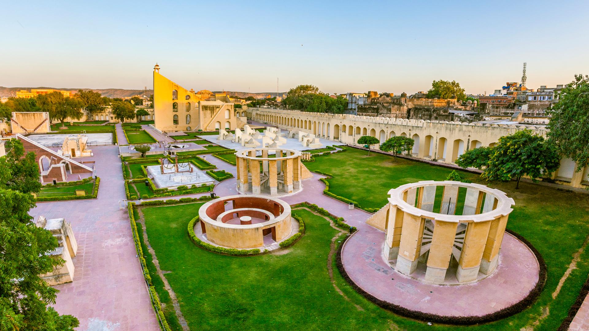 Tour of the City Palace and Jantar Mantar | Jaipur | andBeyond